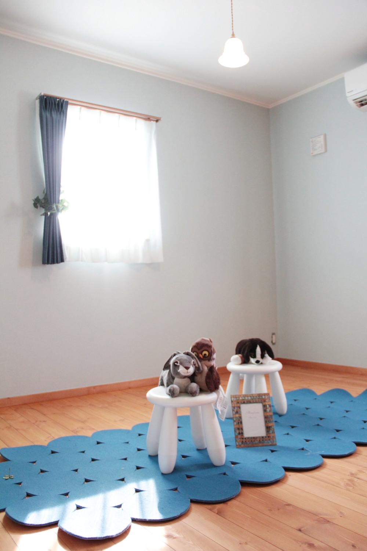 落ち着いた雰囲気の部屋